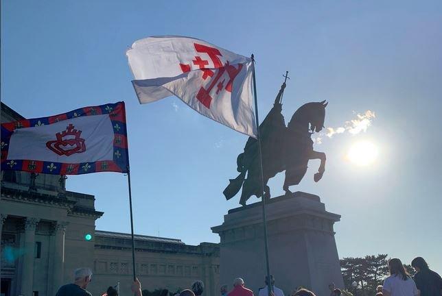 Radical Leftists Threaten Nightly Catholic Rosary at St. Louis Statue — Plan Direct Conflict on Sunday Night — Last Time They Beat 3 Catholic Men